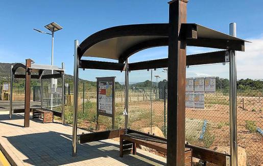 Imagen de una de las nuevas paradas de autobús.