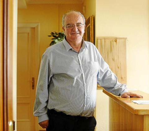José María Costa en su despacho, minutos antes de empezar la entrevista con Periódico de Ibiza y Formentera.