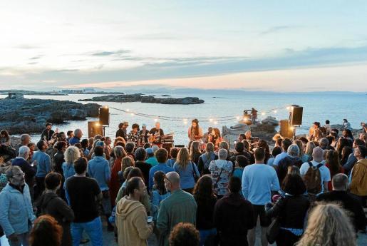La cuarta edición del Formentera Jazz Festival se despidió del público mirando al mar y en una localización envidiable: el Chezz Gardi.