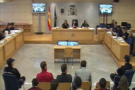 La Guardia Civil detiene a cuatro de los condenados de Alsasua por riesgo de fuga.