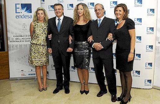 María Magdalena Frau, Santiago Tadeo, presidente del Consell; Elisa Mus, Manuel Vidal y Virginia Victory.