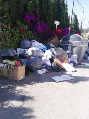 """El PP de Sant Antoni denuncia el """"caos"""" que supone el nuevo servicio de recogida de basura"""