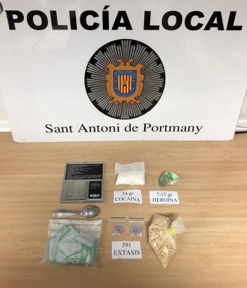 Sustancias incautadas por la Policía Local de Sant Antoni.