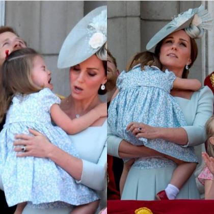 Kate evita una caída de su hija en el balcón del palacio real.