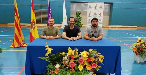 Fernando Gómez, Paco Vázquez y Agustín Perea, durante la presentación del campus.