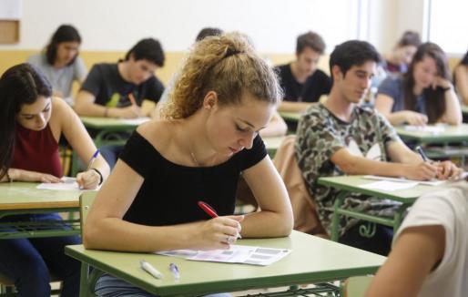 Imagen de estudiantes de Ibiza examinándose este año en las pruebas de Selectividad.