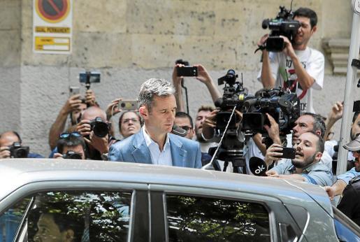 Urdangarin recibió la noticia de la resolución del Supremo con «estoicismo» y serenidad, según su abogado, Mario Pascual Vives.