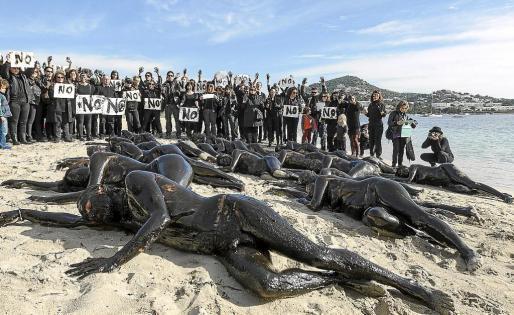 Imagen de archivo de una protesta contra las prospecciones en Ibiza.
