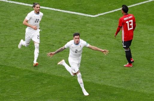 Giménez salva el estreno de Uruguay sobre la bocina.