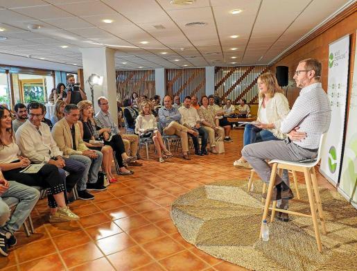 El acto de Nuevas Generaciones se celebró ayer en el Hotel Los Molinos.