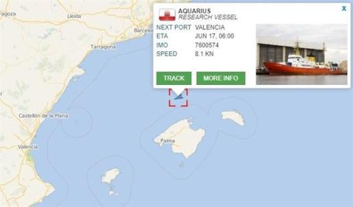 El Aquarius ya navega en aguas españolas