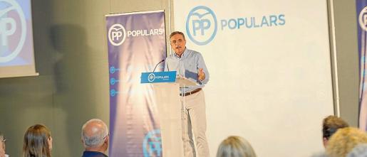 José Vicente Marí Bosó, presidente del PP de Ibiza, ayer, durante su intervención.