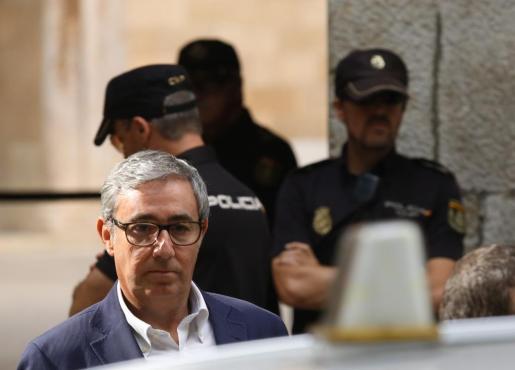 Diego Torres, cuando recogió la orden de ingreso en prisión en la Audiencia de Palma.