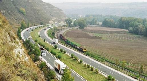 El Gobierno quitará el peaje de las autopistas que terminan su concesión este año y el próximo.
