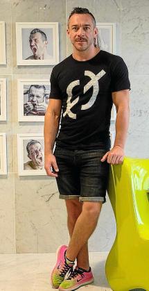 El artista alemán Mathias Vef.