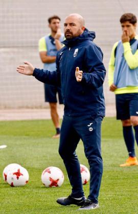 Raúl Barroso, durante un entrenamiento con el equipo granadino.