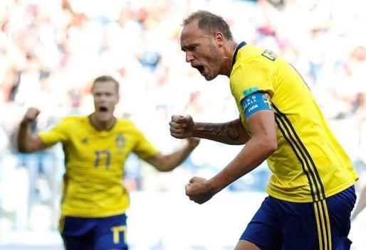 Suecia gana con el VAR a Corea y hace temblar a Alemania.