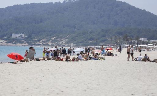Vila adjudica 10 lotes de playa por 300.000 euros.