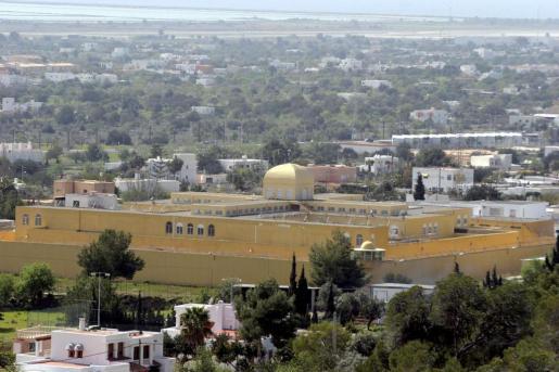 El hombre que estaba en búsqueda y captura por robos se hallaba en la cárcel de Ibiza.