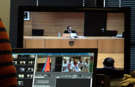 Jose Francisco Cobo, el magistrado de la Audiencia de Navarra, durante la lectura del fallo.