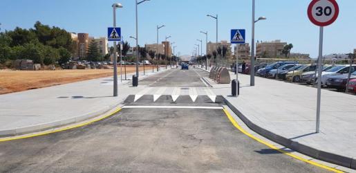 Santa Eulària abre el tráfico al nuevo tramo urbano de la calle Sant Joan.
