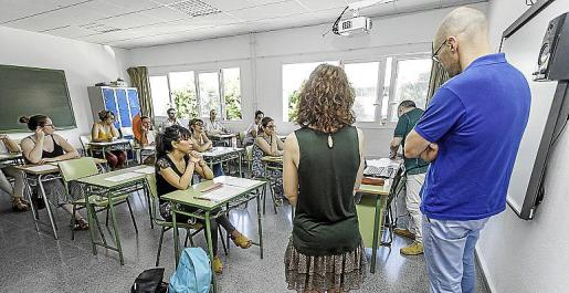 El IES Sa Colomina albergó las pruebas para todos aquellos docentes que optaban a una plaza para docente de Secundaria.
