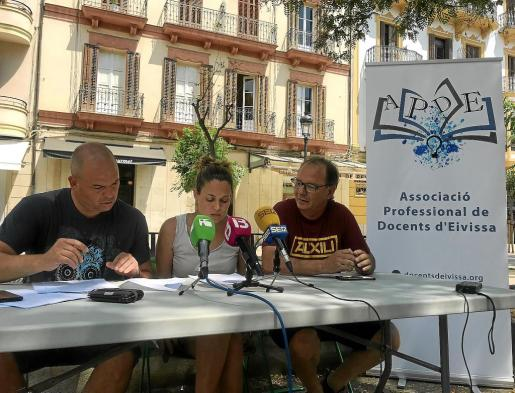 Joan Amorós, Noemí Angulo e Iñaki Monge ayer en rueda de prensa.