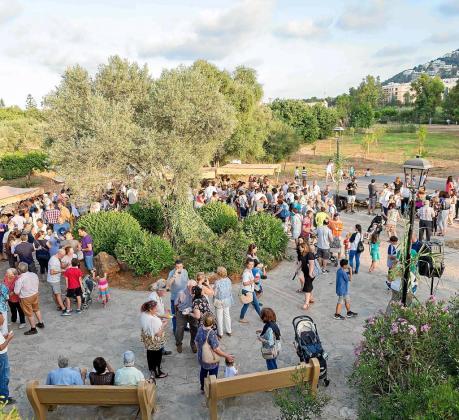 La Font d'en Lluna se llenó de gente con la intención de reivindicar que el de Santa Eulària es el único río de Balears.