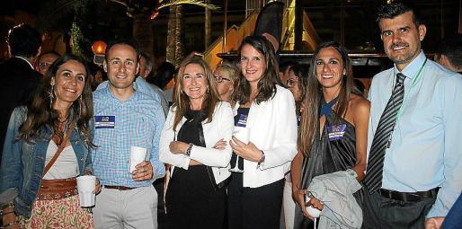 Patricia Moreno, Marcos y Mónica Iriondo, Ester Fábregas, Laia Sangorrin y Llorenç Galmés.