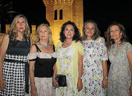 Jero Rubí, Carmen Repiso, María Rosa Salinas, Malena Grúa y Pilar García.