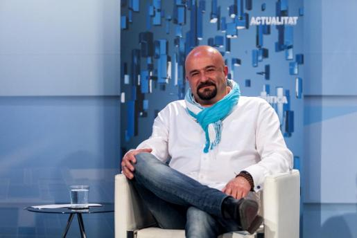 Imagen de archivo del presidente de la Asociación de Ocio de Ibiza, José Corraliza, en la entrevista del programa Bona Nit Pitiüses de TEF TV.