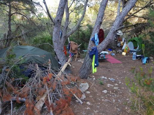 Imagen de una de las acampadas ilegales en el municipio de Santa Eulària.