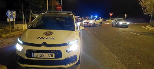 Esta madrugada (entre las 02.00 y las 05.00 horas) se ha llevado a cabo un dispositivo conjunto en el que han colaborado agentes de la Policía Local de Sant Antoni, Guardia Civil y el Cuerpo Nacional de Policía.