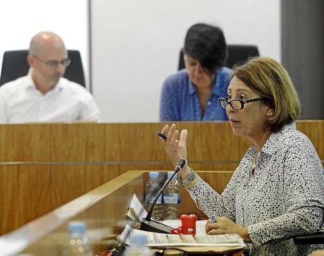 Imagen de archivo de la concejala de Medio Ambiente Montserrat García en un pleno del Ayuntamiento de Eivissa.