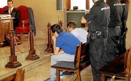 Fiscalía actúa contra 400 menores al año por malos tratos a su familia o pareja en Balears.