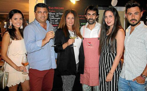 Alba Soto, Alberto Hernández, Maribel Quirós, Igor Rodríguez, María Beltrán Quirós y Raúl Valls.
