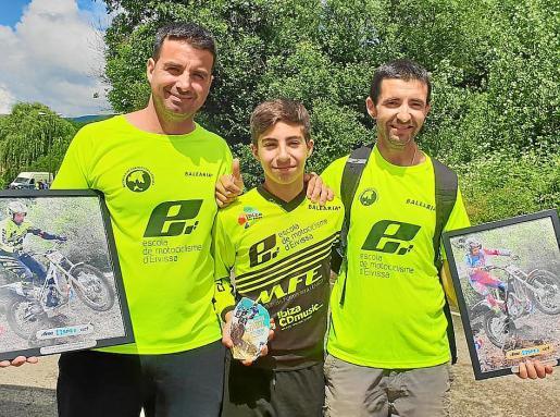 Javier Palau, Marc Cardona y Juan Vicente Tur, con sus recompensas.