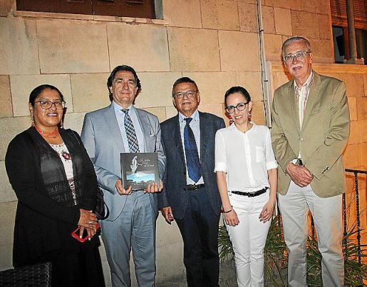 Rosa Ainaguano, Xavier Bonet, Mateo Cladera, Maya Nemtala y Pedro Comas.