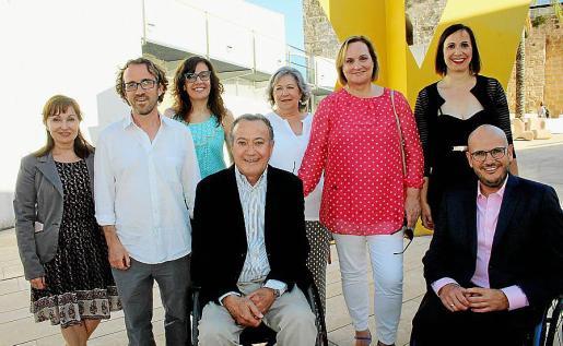 Nekane Aramburu, Guillem Febrer, Elena Antelmo, Ramón Salas, Catin Riera, Mar Arruti, Ana María Coll y Anxo Queiruga.
