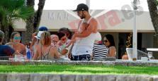 Higuaín presume de amor en Mallorca