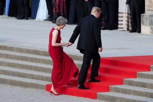 Trump asegura que el plan de May para el Brexit puede «matar» un acuerdo comercial con EEUU.
