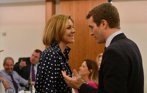 Cospedal arropa a Casado en un acto y dice que puede ser una «magnífica opción» para dirigir el PP.