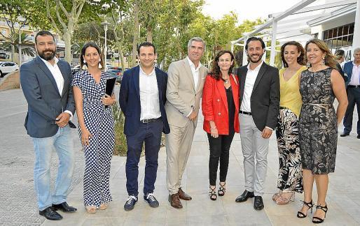 Raúl Álvarez, Noelia Delgado, Manuel Riego, Carlos Martin, Pilar García, Rubén Llach, Ana Rubio y María Umbert.