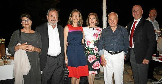 Amelia Forteza, Vicenç Rotger, Carmen Sampol, Paz Massanet, Gabriel Sampol y Bartomeu Canals.