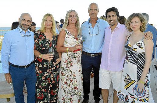 Ramón Rico, Laura Bennaser, Mari Carmen Bennaser, Rafel Rigo, Bernat Roig y Cristina Pizà.