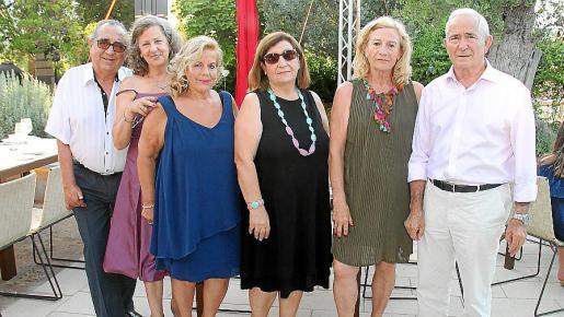 Antonio Seguí, Rosario Fernández, Carmen Sánchez, Pilar Gallegos, Dora Maleno y António Pérez.
