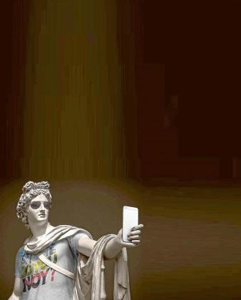 Una de las características esculturas de Léo Caillard.