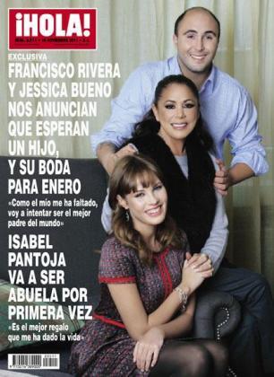 La familia al completo ha posado para la portada de la revista Hola!.