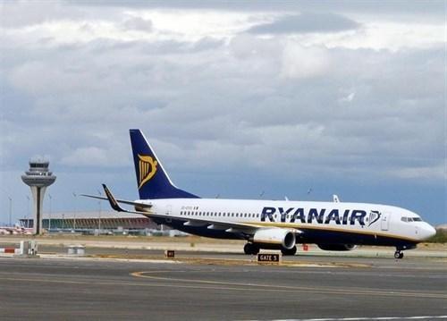 Cancelados 34 de 38 vuelos de Ryanair entre Ibiza y la Península con motivo de la huelga.