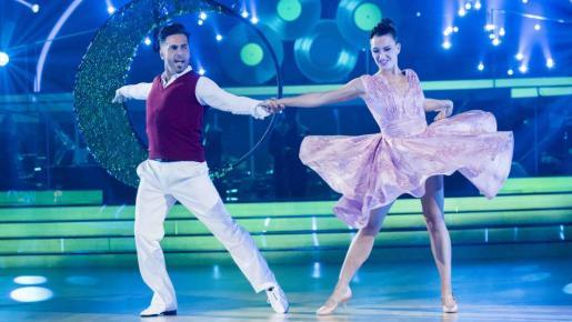 Yana Olina y David Bustamante bailando una de sus interpretaciones en Bailando con las estrellas.